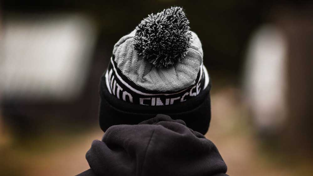 Bobble Knitted Beanie (gris)